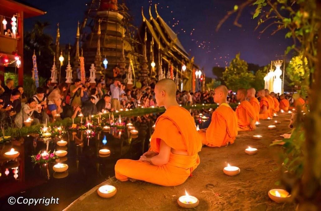 Loy-Krathong-in-Chiang-Mai