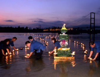 loy-kratong-thailand